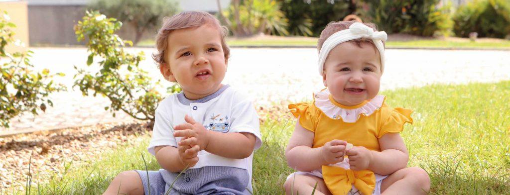 نوزاد دختر و پسر شما با یک لباس مناسب، از بازی لذت بیشتری میبرند.