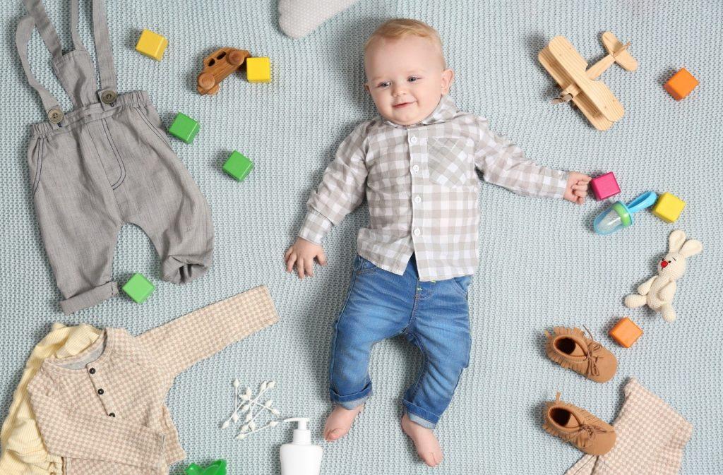 انتخاب لباس نوزادی مناسب، ضامن سلامتی و شادی فرزند شما است.