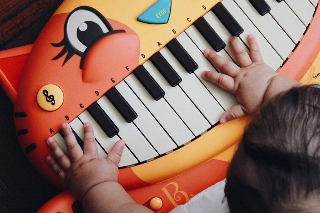 انواع اسباب بازی موزیکال را از نی نی بازار بخرید.