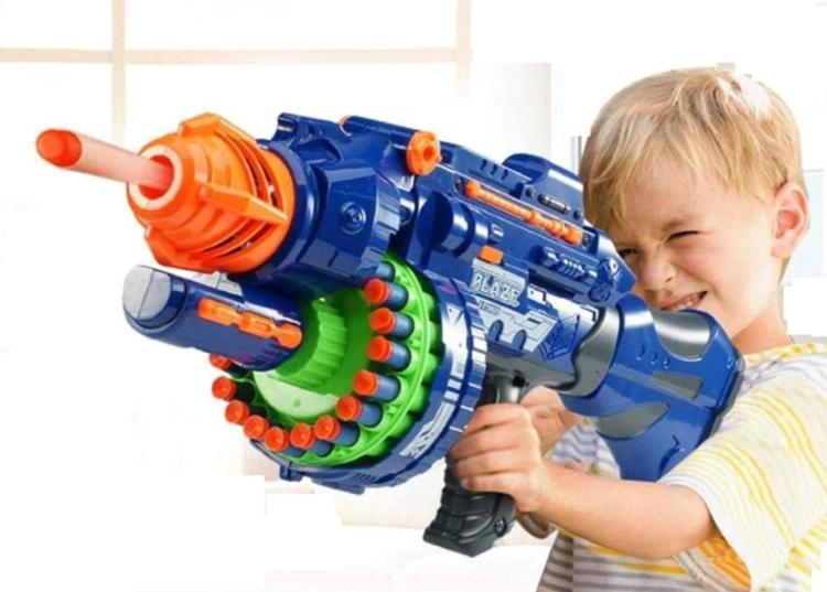 تفنگ اسباب بازی را از نی نی بازار بخرید.