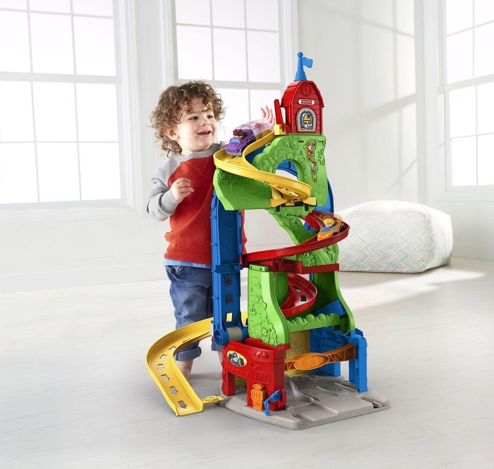 اسباب بازی های بزرگ جذابیت زیادی برای کودکان در همه سنین دارند.