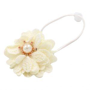 کش سر دخترانه مدل گل مرواریدی رنگ سفید